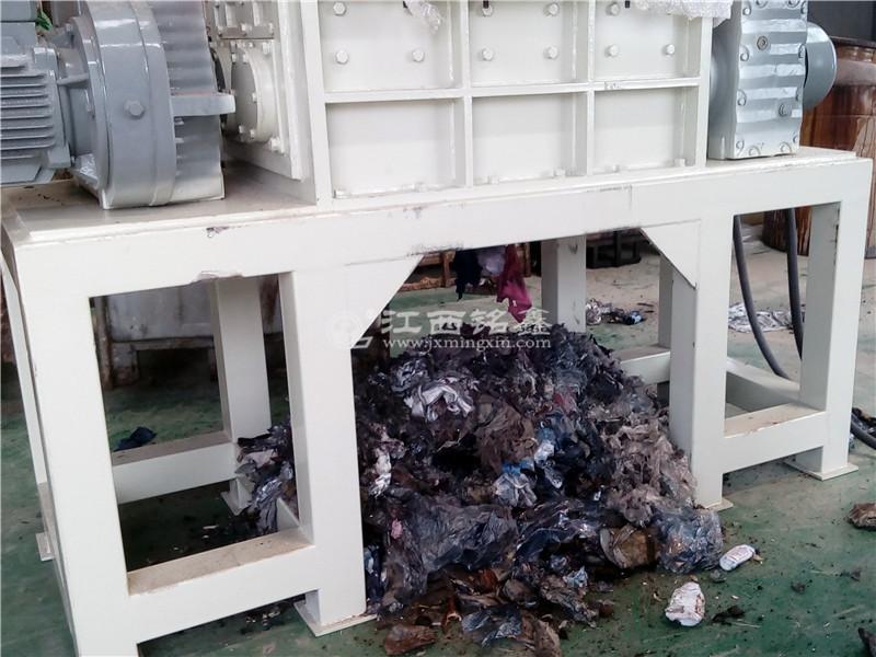 双轴垃圾撕碎机